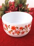 <フランス製:arcopal>可憐なバラが咲いたミルクガラスの小ぶりなボウル