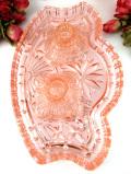 1930年代:ぽったりとしたピンクガラス♪立体的なガラス細工が優雅なドレッシングセット「3点組」「英国のキャンドル2本付」