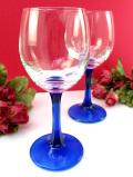 <英国ビンテージ>優雅な青ガラス♪ステイから台座が美しいアンティークガラスのしっかり大きなワイングラス「2個セット」