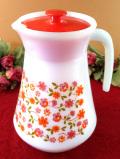 <フランス製:arcopal>明るいお花たち♪ぶ厚いミルクガラスの大きなウォータージャグ