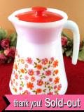 ★★<フランス製:arcopal>明るいお花たち♪ぶ厚いミルクガラスの大きなウォータージャグ:通常価格5980円→