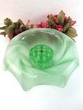 1940年代:淡い緑色のアンティークガラスが美しい珍しいフォルムのアレンジメントボウル