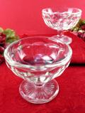 <英国ミッドセンチュリー>ぽったりとぶ厚い透明ガラスが美しい優雅なフォルムのデザートカップ「2個セット」
