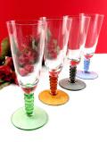 <英国ミッドセンチュリー>ステイの色が4色♪アートフルなクリスタルガラスのワイングラス「4点セット」