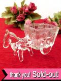 1930年代:ぽったりとしたアンティークガラスがあたたかい愛らしいガラス細工の馬車