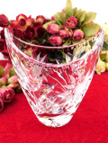 <英国ミッドセンチュリー>アートフルなフォルムが優雅♪お花たちが美しいクリスタルガラスのフラワーベース