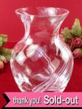 <スコットランド:Caithness>流れるデザインのクリスタルガラス♪ピンクと白のラインがアートフルなフラワーベース
