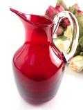 <英国ミッドセンチュリー>赤と透明のコラボレーションぽったりと分厚い赤ガラスが美しいミルクジャグ