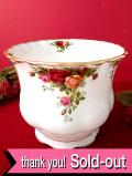 <ROYAL ALBERT:レア♪>「OLD COUNTRY ROSE」オールドカントリーローズ♪美しいバラと22カラットゴールドの美しい鉢カバー