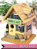 小鳥さんのお家♪木のぬくもりがやさしい楽しいデザインのバードハウス