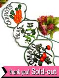 <英国ビンテージ>愛らしい野菜の絵♪ずっしりと重いアイアン製の大きなガーデンスティック