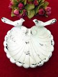 1960年代:愛らしい2羽の小鳥さん♪ずっしりと重たいアイアン製のバードフィーダー