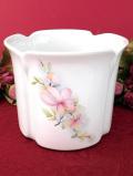 <英国ビンテージ>英国カントリーサイドのお花たち♪円筒形のフォルムが美しいロマンティックな鉢カバー