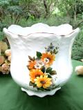 <英国ビンテージ>英国カントリーサイドのお花たち♪たっぷりとした金彩も美しいとても大きな鉢カバー