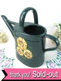 1950年代:きれいなイングリッシュグリーン♪とてもカントリーな陶器細工のウォータリングカン