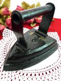 1910年代:エドワーディアン時代♪ずっしりと重い英国アンティークの鉄のアイロン