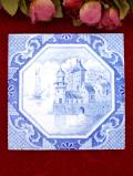 1930年代:英国カントリーサイドの海辺のお城の風景♪ブルー&ホワイトが美しいアンティークタイル