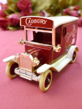<英国ビンテージ:Lledo>ダイキャスト製♪「CADBURY'S」英国の歴史ある伝統メーカーのクラシックカー