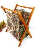 1940年代:優雅なお花たちのゴブラン織り♪折りたたみ式の持ち手付マガジンラック