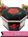 <英国ビンテージ>大輪のバラのお花たち♪八角形のビスケットTIN缶