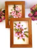 <英国ビンテージ>英国の愛らしいお花たち♪木製の額に収まった立体的なお花の額
