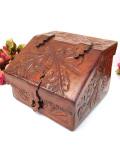 1930年代:お花模様の革貼り♪木と革のコラボレーションが素晴らしいカントリーな木箱