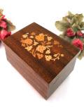 <イタリア製>みごとな象嵌細工のお花たち♪素晴らしい宝石箱のオルゴール