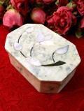 1930年代:白蝶貝のお花♪グレイベージュ色の大理石が美しい八角形のフタ付BOX