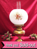 1920年代:優雅なお花たち♪真鍮細工が美しい英国アンティークのW芯の大きなオイルランプ
