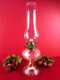 ★1930年代:ぽったりとぶ厚いアンティークガラスがきれいな美しいフォルムのオイルランプ