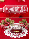 <英国ハンドメイド>「Maltese Flagship」ガラスの帆船♪とても珍しい素晴らしいガラス細工のボトルシップ「お箱:木製台座付」