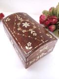 <アルバニア製>素晴らしい金属のお花たち♪とても美しい木製の宝石箱