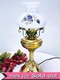 1940年代:真鍮と英国のお花たち♪ミルクガラスの大きなアンティークランプ