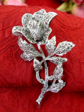 1950年代:キラキラ輝くマーカサイト♪一輪のバラのお花の大きなブローチ