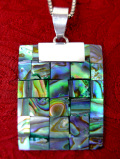 <ニュージーランド:スターリングシルバー>虹色に輝くアバロンシェル♪美しくてアートフルなネックレス