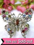 1950年代:虹色に輝く蝶々さん♪ラインストーンの輝きが美しいブローチ