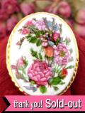 <英国ビンテージ>優雅なオールドローズたち♪とても上品で素晴らしい陶器の大きなブローチ