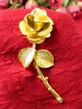 <英国コスチュームジェリー>1960年代:金色に輝く1輪のバラのお花のブローチ