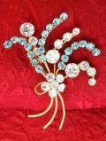 1950年代:水色と透明の輝き♪美しいヨーロピアンガラスの光のお花のブローチ