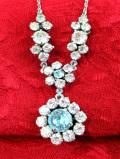 1950年代:水色と透明の輝き♪光のお花たちのヨーロピアンガラスのネックレス