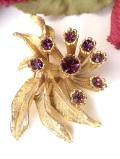 <英国コスチュームジュエリー>優雅な赤紫色のラインストーン♪ロマンチックなお花のブローチ