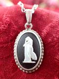 <英国スターリングシルバー:ウェッジウッド>優雅な銀細工♪ブラックジャスパーの女神様のネックレス