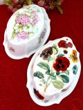 <英国ビンテージ>ウォールオーナメントにも♪お花たちが優雅なとても大きな陶器のモールド