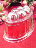 1930年代:ぽったりとぶ厚い英国アンティークガラスの大きなゼリーモールド