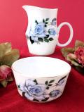 <ROYAL GRAFTON>青いバラのお花たち♪金彩が優雅に輝く大きなミルクジャグ&シュガーボウル「2点セット」