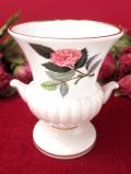 <廃盤レア♪ウェッジウッド>1959年:「HATHAWAY ROSE(ハサウェイ・ローズ)」のピンクのバラの伝統的なフォルムのスモールフラワーベース