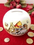 <ロイヤルドルトン>クマのプーさん♪陶器製のとても大きな球体のクリステニングの貯金箱