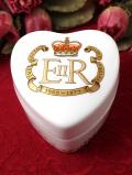 1977年:「SILVER JUBILEE」♪エリザベス女王のコロネーションのハート型のポーセリンBOX