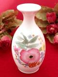 <ウェッジウッド>水彩画のようなお花たち♪「MEADOW SWEET」のふっくらとした一輪挿し