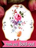 <ROYAL CROWN DERBY>「DERBY POSIES」バラのお花のブーケ♪たっぷりとした金彩も輝く愛らしい小皿「スタンド付」